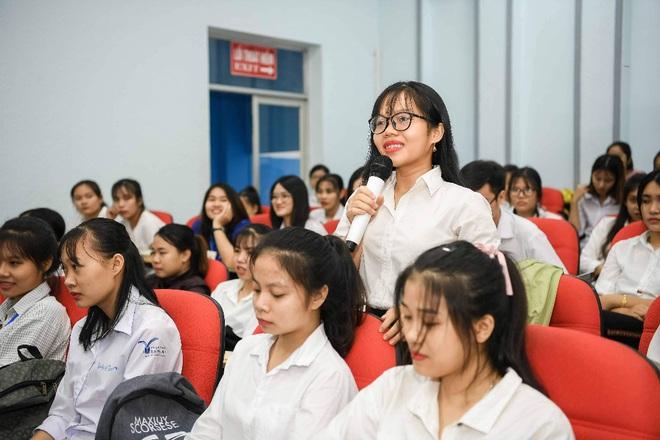 Á hậu Thùy Dung: Sách quý giúp bạn trẻ nung chí khởi nghiệp - Ảnh 5.