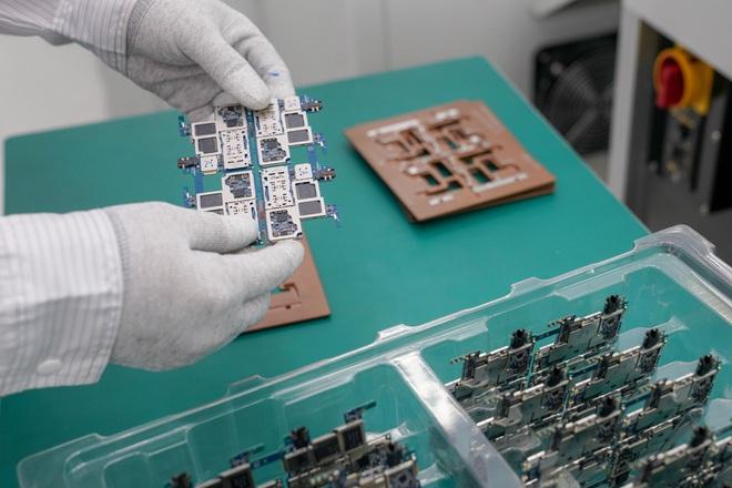 Cận cảnh nhà máy mang tham vọng sản xuất điện thoại cho người Mỹ của VinSmart - Ảnh 5.