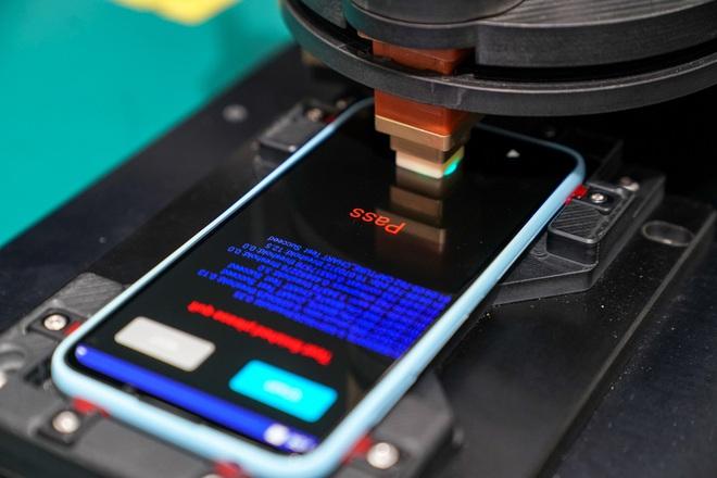 Cận cảnh nhà máy mang tham vọng sản xuất điện thoại cho người Mỹ của VinSmart - Ảnh 8.