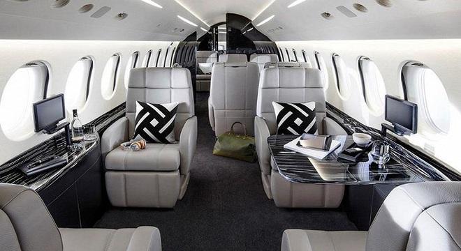 Soi hai mẫu máy bay riêng giá hàng chục triệu USD đại gia Việt vừa tậu  - Ảnh 6.
