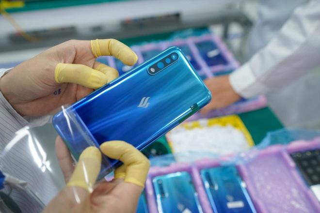 Cận cảnh nhà máy mang tham vọng sản xuất điện thoại cho người Mỹ của VinSmart - Ảnh 10.