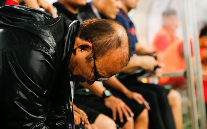 """Hai lần """"thúc thủ"""" trước Thái Lan, thầy Park có nhìn ra mối lo SEA Games cận kề?"""