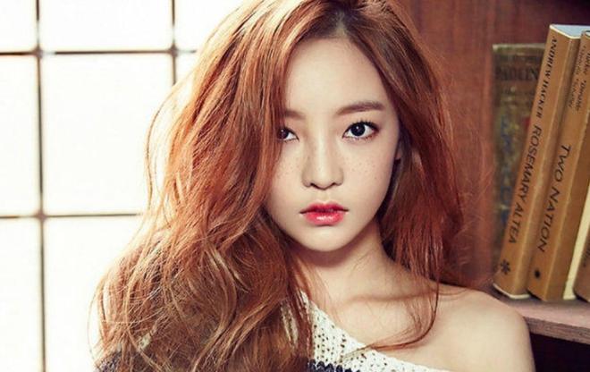 Showbiz Hàn tiếp tục đón nhận tin buồn: Nữ ca sĩ 28 tuổi bị phát hiện đã qua đời tại nhà riêng - Ảnh 1.