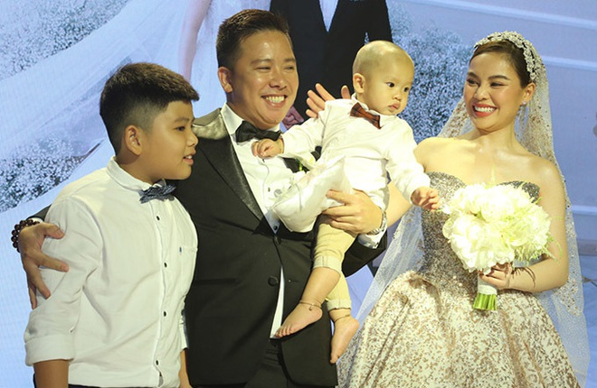 Cách ứng xử khôn ngoan của mỹ nhân Việt với con riêng của chồng - Ảnh 2.