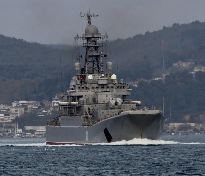 CẬP NHẬT: Nga ùn ùn chở vũ khí hạng nặng tới Syria - Chiến đấu cơ Mỹ đánh chìm 7 tàu ở Deir Ezzor - Ảnh 6.