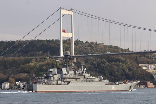 CẬP NHẬT: Nga ùn ùn chở vũ khí hạng nặng tới Syria - Chiến đấu cơ Mỹ đánh chìm 7 tàu ở Deir Ezzor - Ảnh 7.