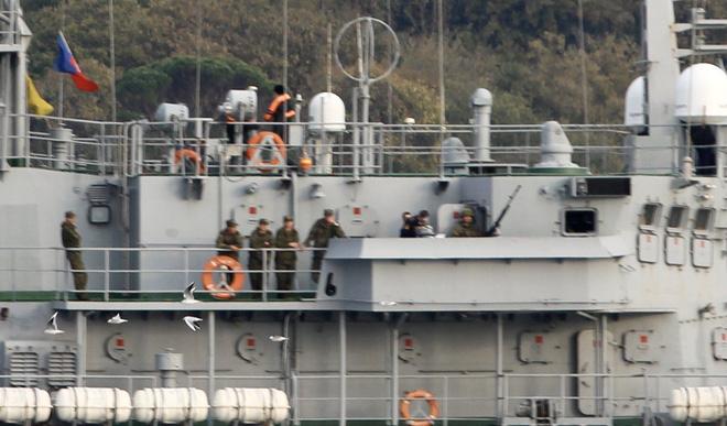 CẬP NHẬT: Nga ùn ùn chở vũ khí hạng nặng tới Syria - Chiến đấu cơ Mỹ đánh chìm 7 tàu ở Deir Ezzor - Ảnh 8.