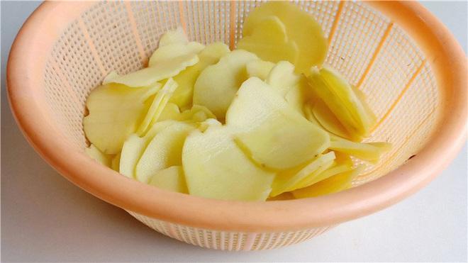 Dùng lò vi sóng làm snack khoai tây chỉ trong 3 nốt nhạc! - Ảnh 2.