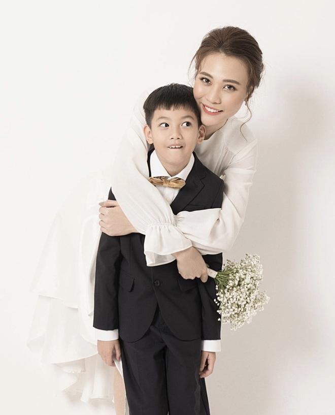 Cách ứng xử khôn ngoan của mỹ nhân Việt với con riêng của chồng - Ảnh 8.