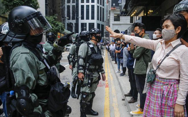 Kết quả bầu cử chấn động ở Hong Kong: Phe dân chủ thắng đậm