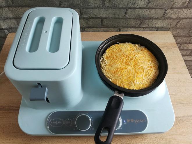 Chỉ một chút biến tấu từ món mì gói đơn giản sẽ thành món ngon lạ cho bữa sáng siêu hấp dẫn - Ảnh 5.