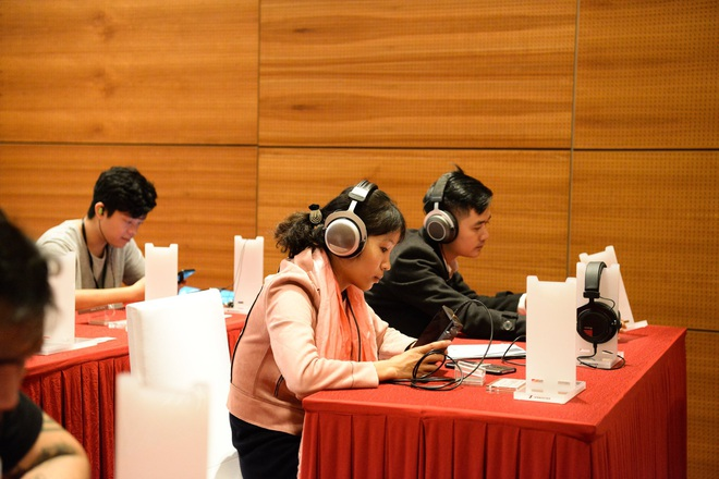 Cận cảnh bộ đôi siêu tai nghe đắt nhất thế giới tại Hà Nội - Ảnh 10.