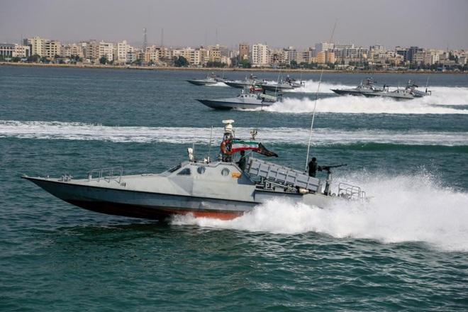 Săn tàu chiến Mỹ bằng siêu vũ khí Ekranoplan: Iran đã làm được điều mà Liên Xô không thể - Ảnh 1.