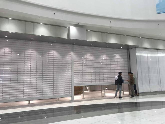 Người dân Hà Nội bỏ làm đổ xô về Aeon Mall Hà Đông trong ngày đầu khai trương - Ảnh 13.