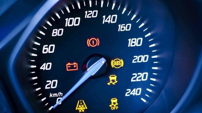 Mẹo kiểm tra hệ thống phanh ô tô để đảm bảo xe luôn an toàn - Ảnh 1.