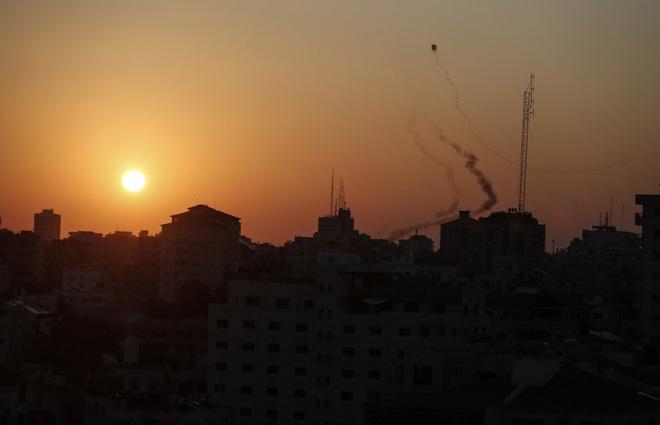 CẬP NHẬT: Hàng chục tổ hợp Pantsir-S giăng bẫy, khóa chặt bầu trời Syria - Houthi ồ ạt tấn công, tổ hợp Patriot thần thánh tan xác? - Ảnh 18.