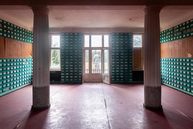 """Bên trong """"Tử Cấm Thành"""" từng là căn cứ quân sự của 40.000 lính Liên Xô - Ảnh 2."""