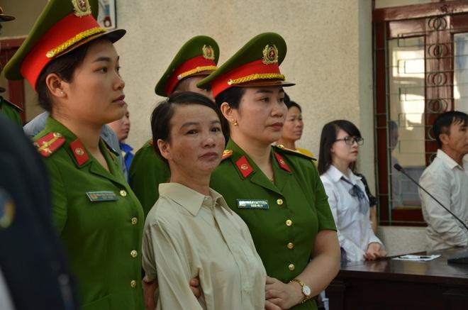 Mẹ nữ sinh giao gà ở Điện Biên bị tuyên 20 năm tù, 2 vợ chồng Vì Thị Thu lĩnh án chung thân - Ảnh 10.