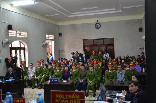 Mẹ nữ sinh giao gà ở Điện Biên bị tuyên 20 năm tù, 2 vợ chồng Vì Thị Thu lĩnh án chung thân - Ảnh 21.