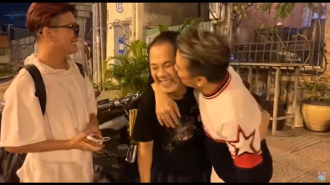 Đàm Vĩnh Hưng, Vũ Hà nửa đêm đến thăm Thành Lộc và tặng quà đắt tiền - Ảnh 4.