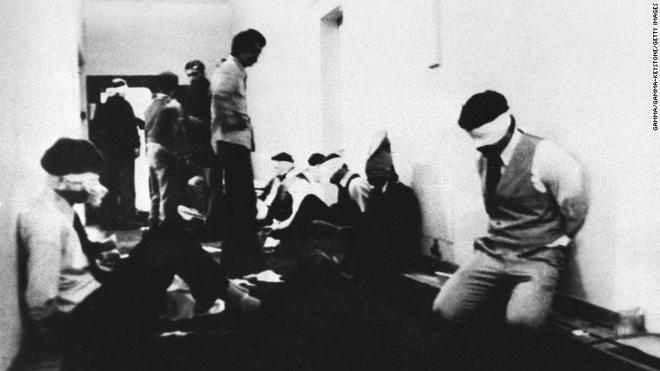 Nước Mỹ phải chết: Vụ đánh chiếm và bắt cóc gần 100 nhân viên ĐSQ Mỹ tại Iran 40 năm trước - Ảnh 2.