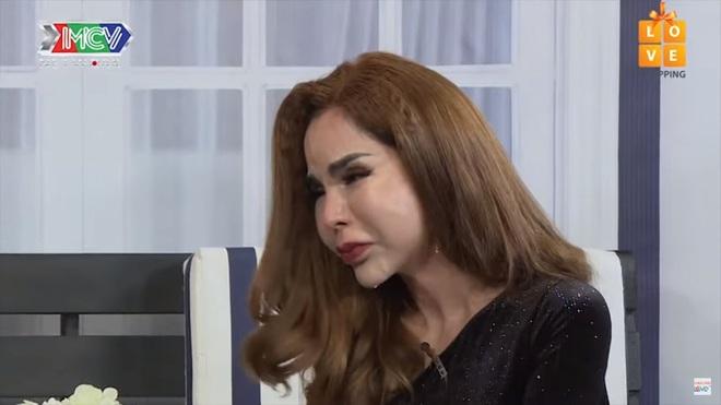 Hot girl chuyển giới Linda: Mẹ tôi phải ở chuồng heo, ngủ với ba dượng cũng ở ngoài chuồng heo - Ảnh 4.