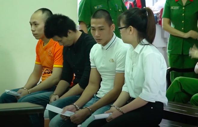 Xét xử nhân viên Công ty Alibaba: Người phụ nữ ra lệnh đập phá xe của đoàn cưỡng chế khai gì? - Ảnh 2.