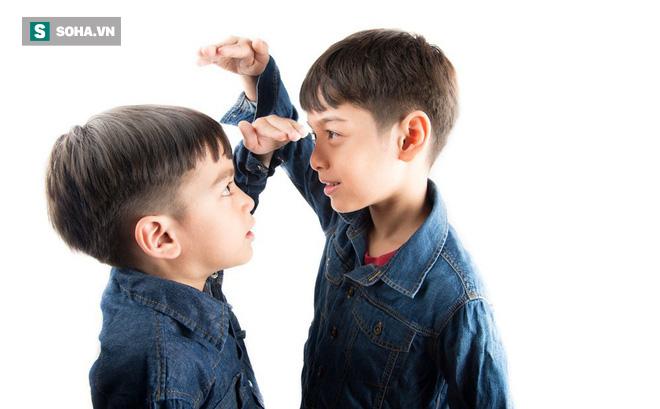 Những dấu hiệu cảnh báo trẻ bị thiếu canxi: Đây là những việc cha mẹ cần làm ngay - Ảnh 2.