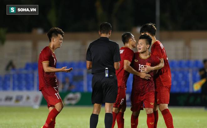 """Cựu danh thủ Quốc Vượng: """"Trận thắng Lào không có gì ấn tượng về lối chơi cả!"""""""
