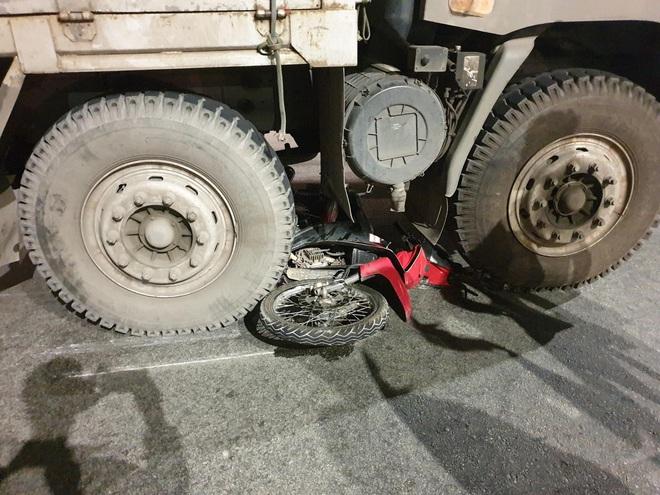 Nam thanh niên bị xe tải cán tử vong thương tâm giữa ngã ba trên Quốc lộ 13 - Ảnh 2.