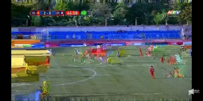 CĐV tiếp tục bức xúc khi xem U22 Việt Nam đá SEA Games, có người tưởng tivi bị hư - Ảnh 1.