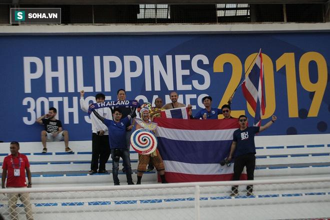 Hủy diệt Brunei, CĐV đặc biệt nhất Thái Lan hào hứng hẹn Việt Nam ở chung kết SEA Games - Ảnh 3.
