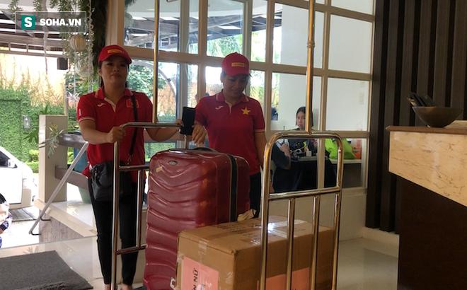 U22 Việt Nam hào phóng, nhường toàn bộ 60kg thực phẩm từ Việt Nam cho tuyển nữ