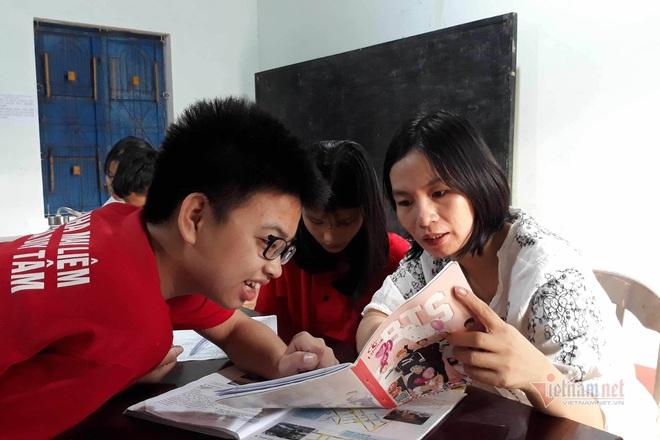 Cô giáo Quảng Trị 8 năm dạy tiếng Anh miễn phí cho học sinh - Ảnh 3.
