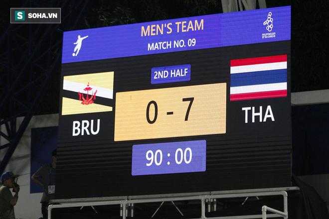 Hủy diệt Brunei, CĐV đặc biệt nhất Thái Lan hào hứng hẹn Việt Nam ở chung kết SEA Games - Ảnh 1.