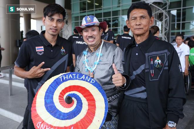 Hủy diệt Brunei, CĐV đặc biệt nhất Thái Lan hào hứng hẹn Việt Nam ở chung kết SEA Games - Ảnh 2.