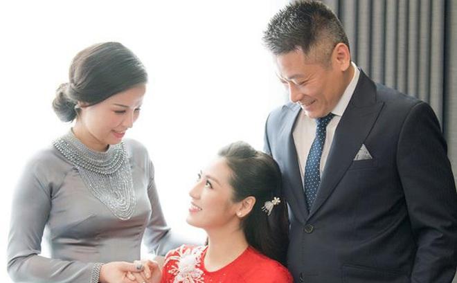 """Mẹ ruột tiết lộ cuộc sống """"quay cuồng"""" của Á hậu Tú Anh sau khi sinh con cho thiếu gia"""