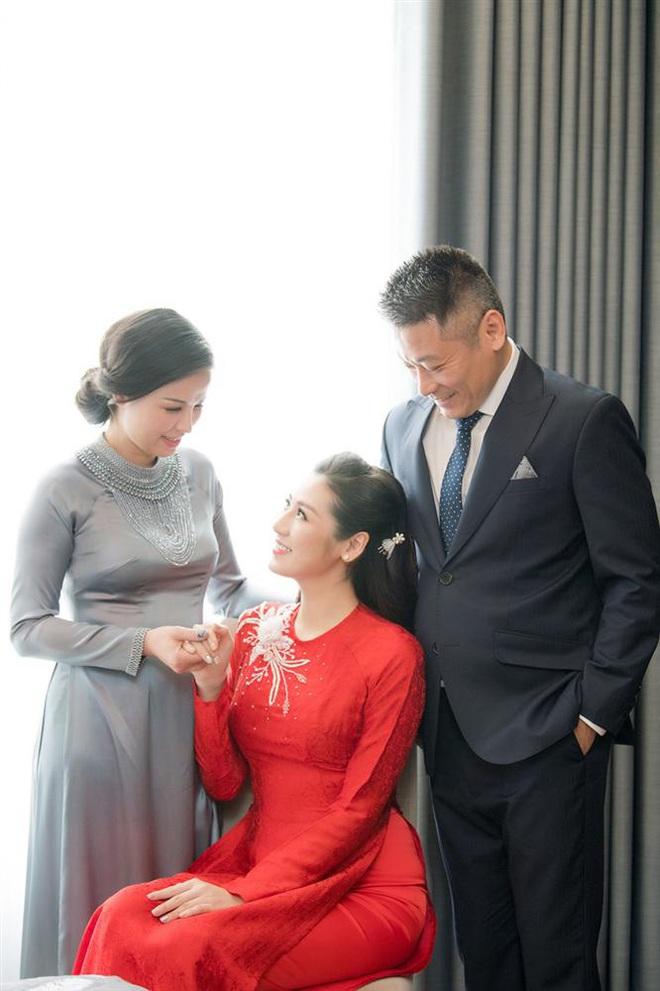Mẹ ruột tiết lộ cuộc sống quay cuồng của Á hậu Tú Anh sau khi sinh con cho thiếu gia - Ảnh 3.
