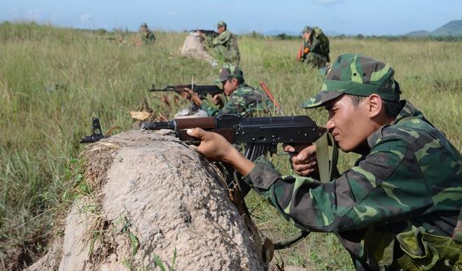Chiến trường K: Bắt sống thiết giáp Chính phủ Polpot - Để sổng Đồ tể Tà Mốc và vợ trùm diệt chủng Iêng Sary - Ảnh 4.