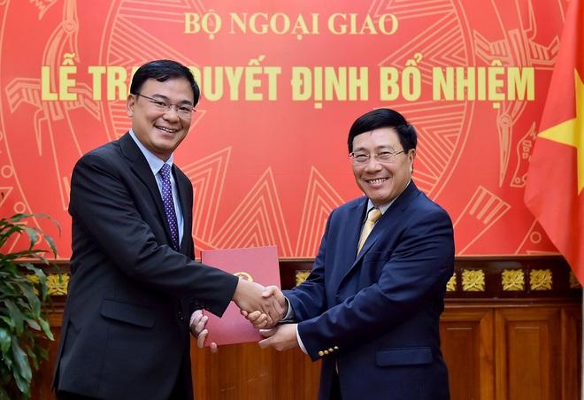 Phó Thủ tướng trao quyết định bổ nhiệm cán bộ - Ảnh 1.