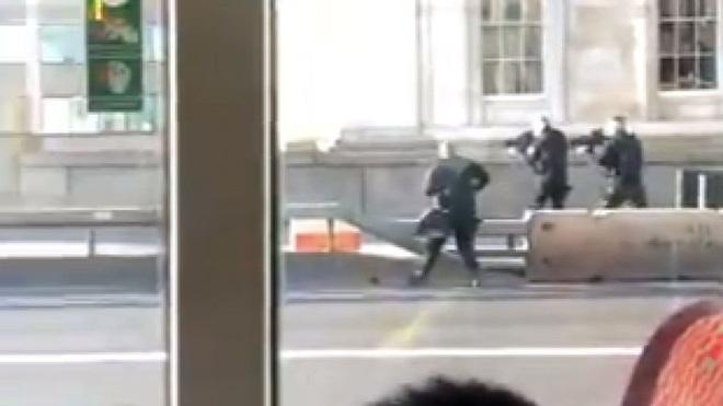 Sự cố ở cầu London: Cảnh sát xác định là vụ tấn công khủng bố, nghi phạm bị bắn chết ở hiện trường - Ảnh 4.