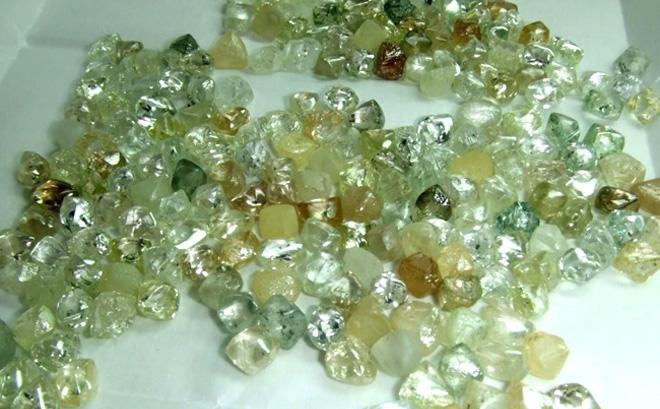 Vụ biến mất bí ẩn của số kim cương trị giá 100 triệu USD: Bộ ngũ siêu đẳng