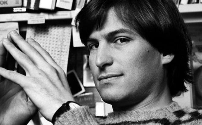 Đĩa mềm có chữ ký của Steve Jobs được bán đấu giá với con số không tưởng