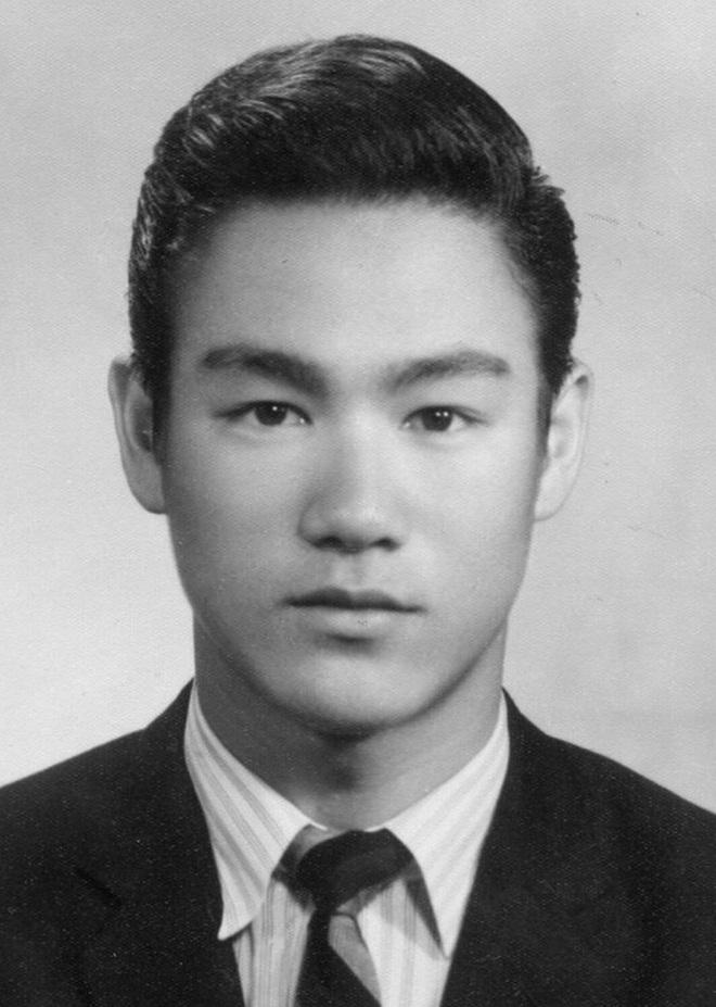 Thời niên thiếu hung hãn, bị đuổi học và những điều ít biết về huyền thoại Lý Tiểu Long - Ảnh 2.