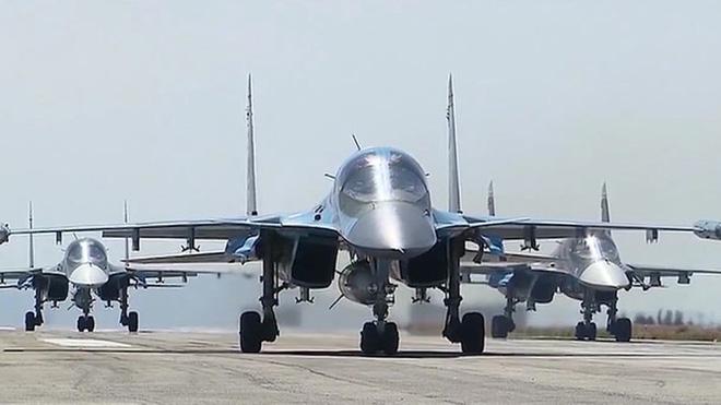 B-52 Mỹ áp sát Căn cứ KQ Khmeimim của Nga ở Syria, S-400 trố mắt nhìn - Bất ngờ chưa từng có - Ảnh 15.