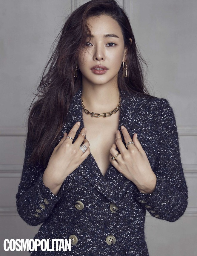 Vẻ đẹp nóng bỏng của Hoa hậu đẹp nhất Hàn Quốc là tiến sĩ âm nhạc, có xuất thân danh giá - Ảnh 1.