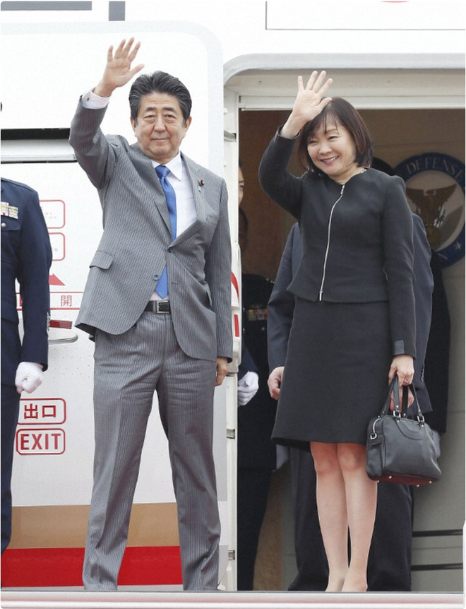 Cháy trên máy bay chở thủ tướng Nhật đi họp ASEAN - Ảnh 1.