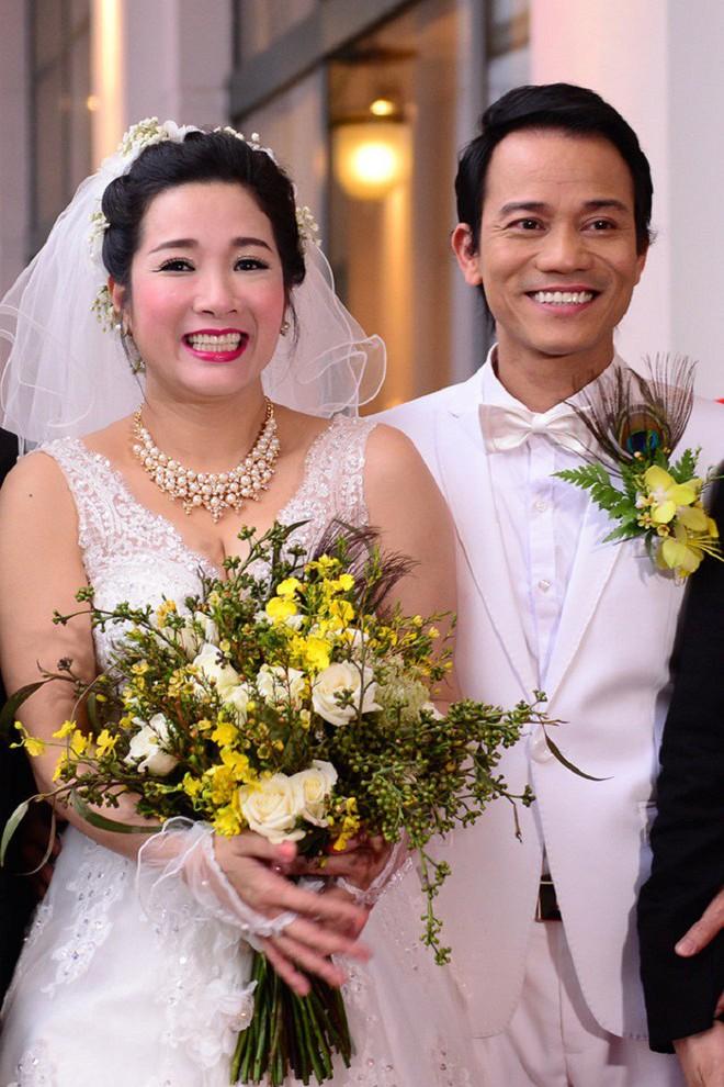 Cuộc sống của con trai Chế Linh sau 4 năm kết hôn cùng Thanh Thanh Hiền - Ảnh 2.