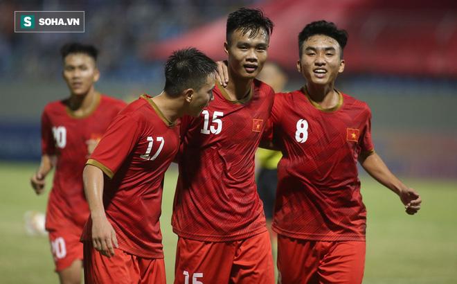 Thầy Park đến dự khán, U21 Việt Nam thua cay đắng trước đội vô địch Sinh viên thế giới