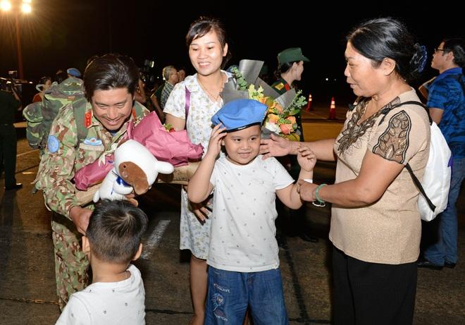 Bệnh viện Dã chiến cấp 2 số 1 của Việt Nam hoàn thành nhiệm vụ về nước an toàn - Ảnh 10.